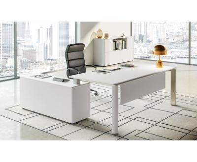 IULIO vezetői asztal