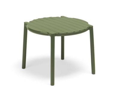 Doga kerti asztal